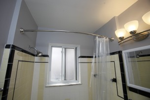 413-apt-2-bathroom-03