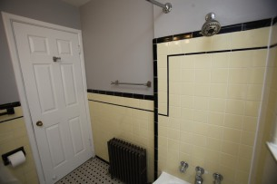 413-apt-2-bathroom-08