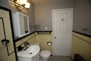 413-apt-2-bathroom-09