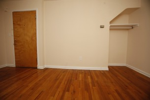 413-apt-2-living-room-04