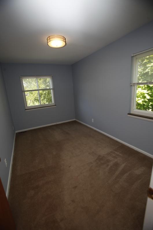 526-s-division-apt-9-bedroom-01