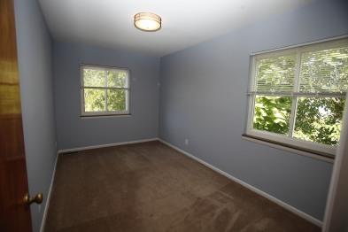526-s-division-apt-9-bedroom-04