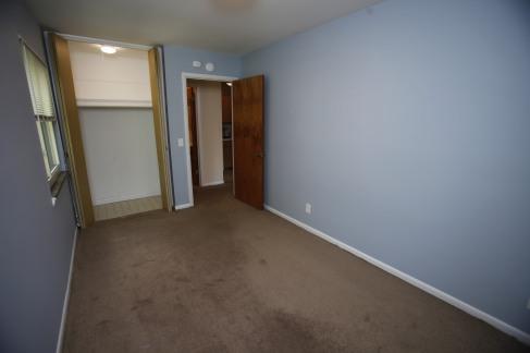 526-s-division-apt-9-bedroom-06